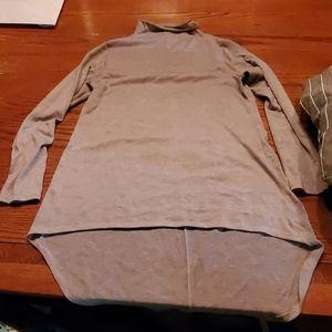 Hi low mock neck thin shirt